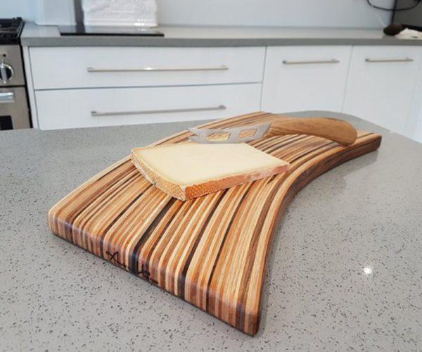 Objet usuel - Planche à découper - Cutting board- signée Andrew Hemus