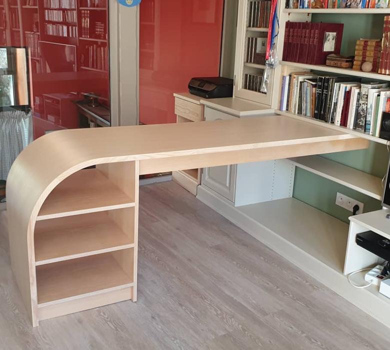Show Bespoke design - wooden desk
